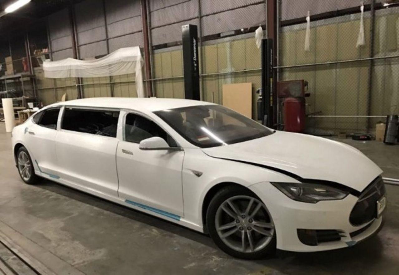 удлиненный лимузин Tesla Model S